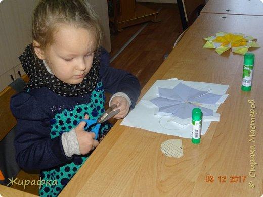 Маленькая снежинка Миланы, жёлтая Кристины  и бело-фиолетовая, хотя по фото этого и не скажешь, Даши. фото 12
