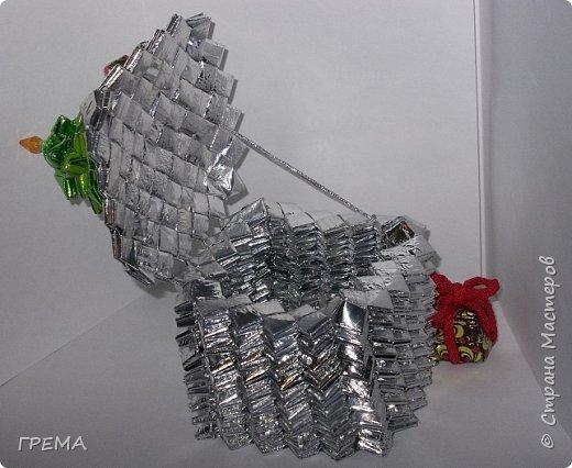 Скоро Новый год.подарочная шкатулка 9 на 9 на 9,общая высота с елкой 16см,использованы 631 фантик фото 2