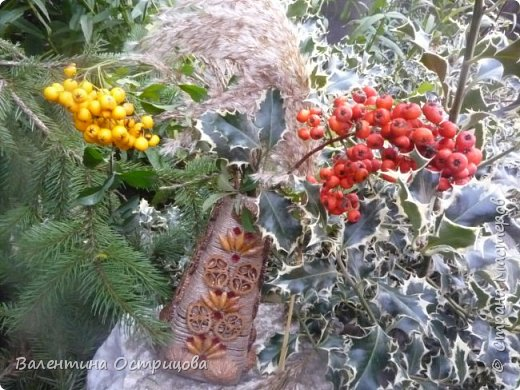 Здравствуйте , дорогие  мастера  и  мастерицы !   Ранней  осенью  сделала  ещё  несколько  малых и  средних  листьев  из  цементной  массы . Затем  покрасила  их  краской  из  баллончиков .  Предлагаю  посмотреть  на  них   в  процессе  работы  и   затем  в  саду . фото 30