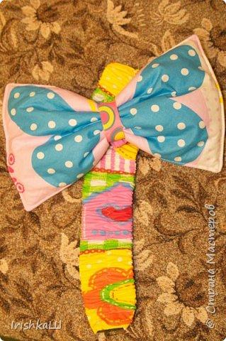 Это одеялко-конверт сшито по просьбе моей подруги для её доченьки. Она прислала мне фото с инета  именно одеялко с капюшоном, чтобы использовать как конверт в коляску, а потом как одеялко, когда из конверта ребёнок вырастит. фото 8