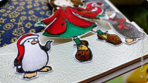 Всем привет!  Сегодня хочу поделиться с Вами своими последними работами. Первая открытка является новогодней, несмотря на то, что она выполнена в нестандартном цвете. Такую нежную открытку можно подарить любой даме. Ножами-снежинками я так и не обзавелась (а заказывать на Али уже поздно, т.к. придут они не раньше января), поэтому добавила вырубку оригинальной непонятной формы. В противном случае смотрелось бы совсем скучно. Надпись сделана с помощь. горячего эмбоссинга. фото 9