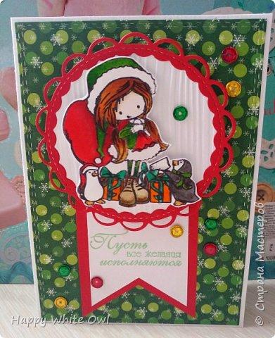Всем привет!  Сегодня хочу поделиться с Вами своими последними работами. Первая открытка является новогодней, несмотря на то, что она выполнена в нестандартном цвете. Такую нежную открытку можно подарить любой даме. Ножами-снежинками я так и не обзавелась (а заказывать на Али уже поздно, т.к. придут они не раньше января), поэтому добавила вырубку оригинальной непонятной формы. В противном случае смотрелось бы совсем скучно. Надпись сделана с помощь. горячего эмбоссинга. фото 6