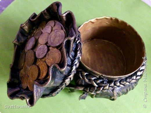Всем доброго дня! Давно собиралась сделать денежные мешочки.....                            Много мастериц пополнили ими свои коллекции     http://stranamasterov.ru/node/1077842?c=favorite. http://stranamasterov.ru/node/1101948?c=favorite Вот к Новому году решила сделать для друзей подарки - пожелание материального благополучия..... Мешочек с деньгами как раз подходит... Вот какие красавцы получились.... фото 3