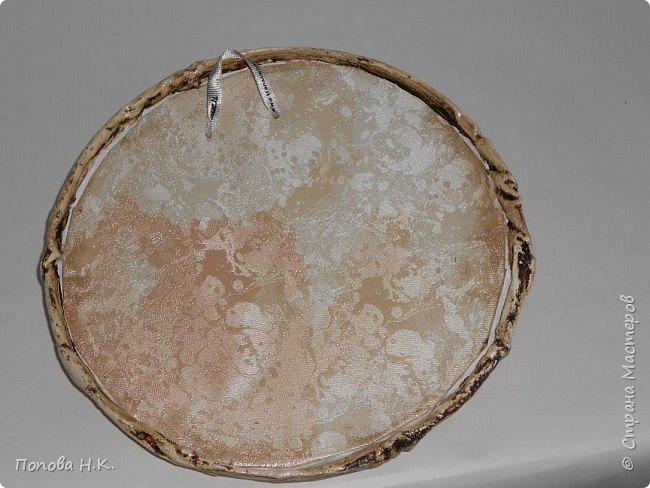 Ящерица пластилиновая, оклеила салфетками, покрасила. фото 2
