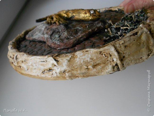 Ящерица пластилиновая, оклеила салфетками, покрасила. фото 3