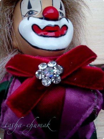Привет! Я вернул вам вашу Ташку! Небось скучали?...   Есть у Ташки подружка, обожает клоунов.   фото 10