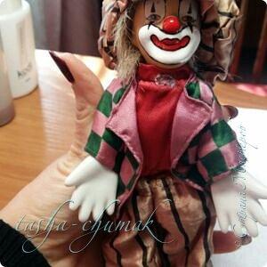 Привет! Я вернул вам вашу Ташку! Небось скучали?...   Есть у Ташки подружка, обожает клоунов.   фото 8