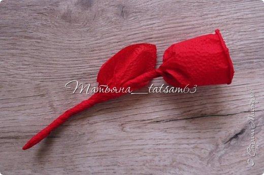 Здравствуйте! Опять я к вам с розочками.  Розочки из салфеток я уже делала: http://stranamasterov.ru/node/954307, но эти от них очень отличаются!  фото 12