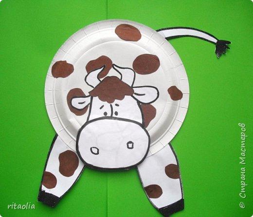 """Эти коровки, из одноразовых тарелочек,  появились на уроке технологии в 1 классе """"Б""""  фото 3"""