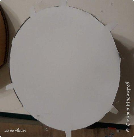 Здравствуйте мастерицы. Купила пластиковые новогодние шары диаметром 16 см. Шары оказались без перегородки, из двух половинок без украшения. Я их украсила фотографиями молодой семьи моего братика. фото 10