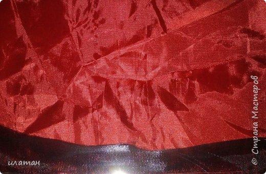 Для создания такого Санты понадобится:выжигатель,клей пистолет,металлическая линейка,стекло для работы с выжигателем,гипс,форма для отливки лица(у меня самодельная),краска,лак,фурнитура от бюстгальтера и атласные ленточки шириной 0,5-0,7 см,джутовый шнур и зубочистка,синтепон фото 4