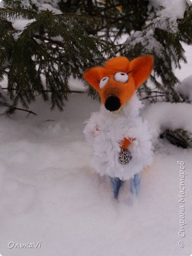 Очень кстати у нас выпал свежий снежок, Лис отправился к проруби рыбачить на волчий хвост)))) фото 8