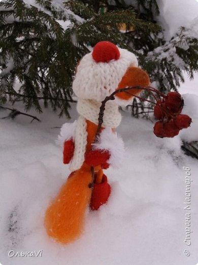 Очень кстати у нас выпал свежий снежок, Лис отправился к проруби рыбачить на волчий хвост)))) фото 12