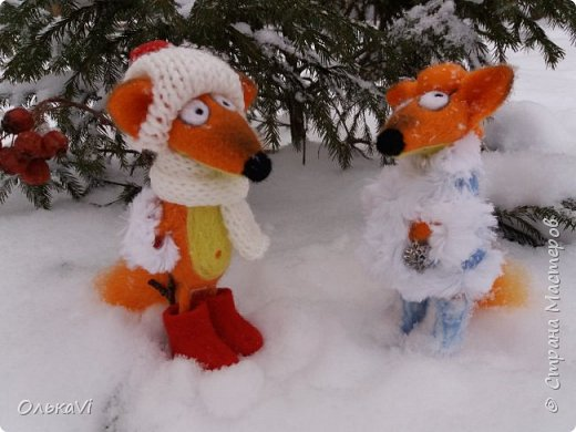 Очень кстати у нас выпал свежий снежок, Лис отправился к проруби рыбачить на волчий хвост)))) фото 14
