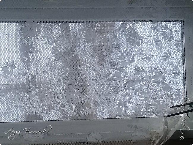 У нас сегодня был день морозных узоров по нашему адвент-календарю https://stranamasterov.ru/node/1123432  и https://stranamasterov.ru/node/1125298 . Существует много разных способов разукрасить стекла морозными узорами. Но вспомните, когда замерзают стекла какая сказка на окнах! Теперь нам этого не увидеть дома,т.к. наши стеклопакеты не дают такой возможности. А как хочется красоты...  Оказывается, что ее легко создать дома самим! С удовольствием поделюсь опытом))) фото 7
