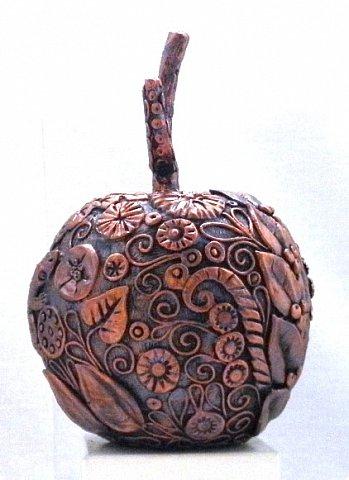 """Оказывается, что этот мастер-класс у меня юбилейный-50!  Кто ещё тут не выращивал яблок? Именно для вас я и сделала этот мастер-класс))). Каких только яблок ни делали мастерицы в нашей Стране Мастеров: и лепные, и кружевные и в пейп-арте...и у каждой есть свои секретики и по форме , и по оформлению этого прекрасного фрукта. Этот фрукт - универсальный подарок на любой праздник...сделал на нём сердечко - будет на день рождения или День Любви...сделал дерево - вообще для всех! И как символ богатства и плодовитости, и как достатка в доме...  Для МАСТЕРОВ я вряд ли расскажу что-то новое, но новичкам , надеюсь, мой МК будет полезен. Тем более, что мне снова заказали """"жалезные"""" яблоки на подарки мужчинам, им почему-то нравится этот фрукт.))) фото 14"""