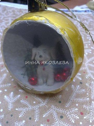 Простым круглым шариком, даже если он очень красивый, теперь никого не удивишь. Как украсить шар снаружи знают все, я предлагаю украсить его внутри! фото 10