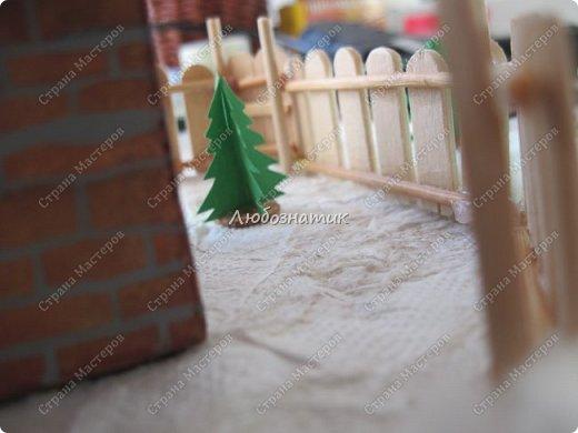 Здравствуйте дорогие мои!!! Ну очень соскучилась!!! Первый утренник позади и можно расслабиться...  Хочу показать вам поделки, которые я сделала для садика. Название так и не придумала. Хотя когда делала, то представляла себе загородный дом, 31 декабря, хозяева дома и ждут гостей... Дети мои были в восторге, всё предлагали оставить дома, а для садика сделать просто ёлку :-) И всё мечтали там побывать, зайти в дом, посмотреть что внутри... фото 59