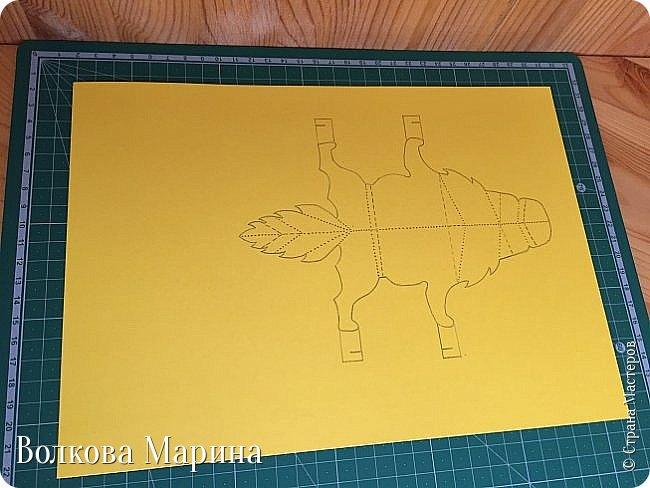 Каждый год я делаю новогодние открыточки. Так как 2018 год - это год Жёлтой Земляной Собаки. Поэтому я сделала открыточку с собачкой. Схемку я придумала сама. Вот такая она у меня получилась: фото 3