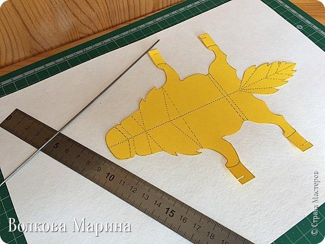 Каждый год я делаю новогодние открыточки. Так как 2018 год - это год Жёлтой Земляной Собаки. Поэтому я сделала открыточку с собачкой. Схемку я придумала сама. Вот такая она у меня получилась: фото 5