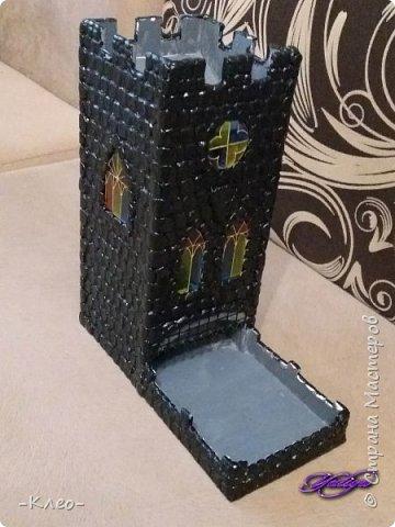 Есть у нас с мужем безобидное хобби - настольные игры. И вот в обзоре одной из игр мы увидели башню для кубиков и поняли, что она нам просто жизненно необходима! Покупать за две с лишним тысячи простенькую прозрачную башенку нам не хотелось, поэтому вариант был один - сляпать самим! фото 16
