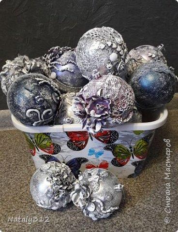 В прошлом году сделала себе такие шарики, так нашлось много желающих возыметь такие же. Вот и взялась за их изготовление. фото 2