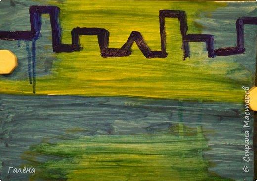 Предлагаю начинающим юным художникам попробовать свои силы в написании городского пейзажа.Для рисования нам понадобится бумага формата А-3,гуашь 12 цветов,толстая кисть плоская щетина номер 12 . фото 6