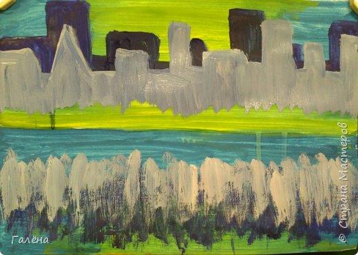 Предлагаю начинающим юным художникам попробовать свои силы в написании городского пейзажа.Для рисования нам понадобится бумага формата А-3,гуашь 12 цветов,толстая кисть плоская щетина номер 12 . фото 9