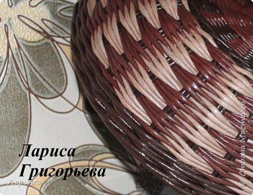 """Есть несколько разных вариантов плетения  ПЕРЕХОДА узора """"Гусиные лапки""""...   Но я хочу представить вам самый  простой  вариант перехода, идею которого  предложила нам Елена Давыдова ( Петухова ) За  что ей огромное спасибо !!  Весь узор плетётся всего двумя рабочими трубочками. Проще не бывает. фото 1"""