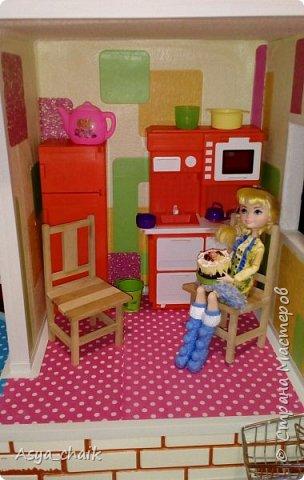 """Решила сделать своей дочке кукольный домик своими руками, поскольку все покупные дома либо слишком дорогие, либо хлипкие, либо не отвечают параметрам """"жильцов"""". Искала долго из чего же его сотворить... с лобзиком дружба не заладилась, а из картона - не долговечный...нашла! Конечно, пеноплекс!!! фото 4"""