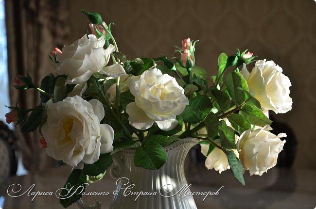 """"""" Кувшин с розами """".  В составе 9 крупных роз, более 25 бутонов, обилие листвы!"""