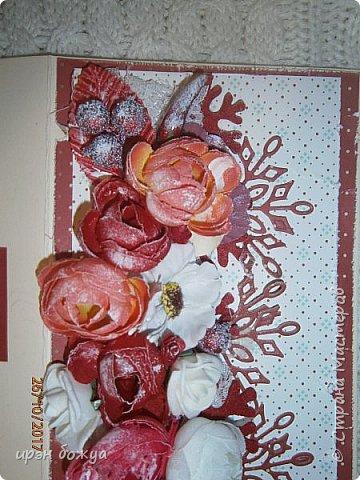 Сегодня я с открытками. Обе сделаны в предверии нового года, только красненькая выполняла роль двух открыток сразу- и на Новый годи и на день Рождение.  фото 18