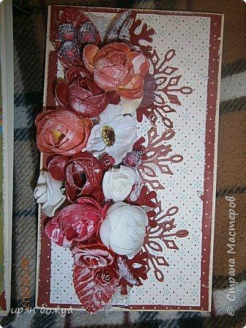 Сегодня я с открытками. Обе сделаны в предверии нового года, только красненькая выполняла роль двух открыток сразу- и на Новый годи и на день Рождение.  фото 13