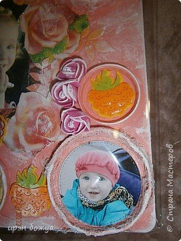 Я с продолжением фоторамок. Первую я выложила раньше-это розовая(слева).Смотреть тут https://stranamasterov.ru/node/1127110 . После сделала еще две в подарки на Новый год. Розовая-свадебная, синяя и персиковая с детками. И так смотрим синюю и персиковую. фото 10