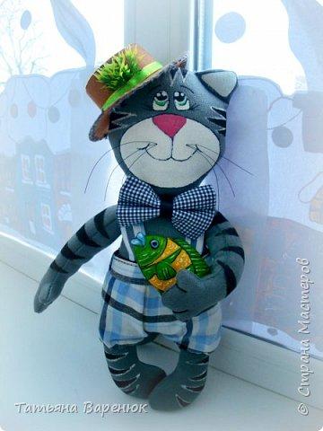 """""""Лучше карасик в руках,чем осетр в речке!=)  В пошиве игрушек я дуб-дерево=)))Так что котика шила по видео-мастер-классу:https://www.youtube.com/watch?v=ZTB0j0YiEoI"""