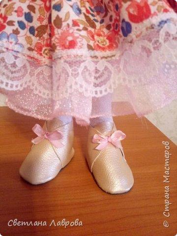Здравствуйте мастера и мастерицы! Куколку Леру,  сшила в подарок своей племяннице на день рождения. фото 4