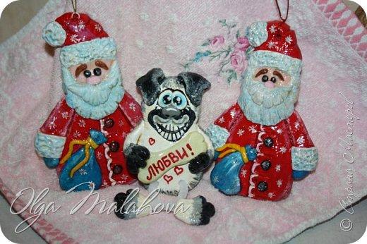 Здравствуйте! Показываю своих собак из соленого теста. Магниты, подкова и панно. Скоро будут еще готовы. Дополню. фото 25