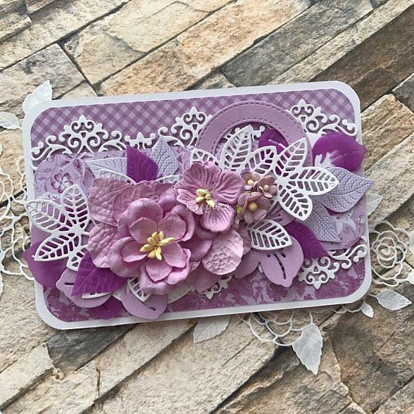 """Посмотрела я тут таблицу цветов """"фиолетовые оттенки"""" на  lookcolor.ru ,  я даже предположить не могла что их столько:) Пересмотрев се, решила, что это или лиловая опера, или светло лиловый, или цвет пурпурной орхидеи:) А согласно фен-шуй, оказывается, лиловый цвет символизирует жизненную силу, а в китайской классической поэзии означает положительную духовную силу.  Эта открытка из подарочных полос ( которые присылают с заказом)  моей любимой бумаги Galeria Papiery фото 1"""