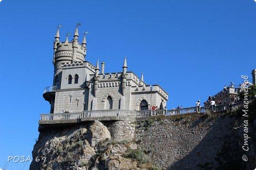 """Итак, для любителей путешествий и  для тех, кто смотрел первую часть моего фотоотчёта об отдыхе в Крыму-  продолжение рассказа: """"Каким я увидела Крым"""".      Мы не любители долгого валяния на лежаке, а  любим активный отдых. Обойдя все немногочисленные  достопримечательности в Коктебеле, на вечернем совете сын предложил                                                    съездить в Ялту.  Дорога пролетела  очень быстро- такие виды из окна, глаз не оторвать... фото 27"""