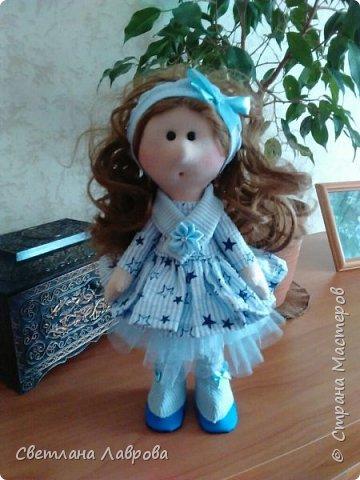 Здравствуйте мастера и мастерицы! Вот такую куколку сшила на заказ...