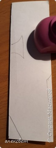 Здравствуйте мастерицы. С детьми средней группы мы сделали поделки папам на 23 февраля. Основа идеи взята http://st.stranamam.ru/data/cache/2013feb/19/28/7356385_69096.jpg   -офицер http://kpanuba.blogspot.ru/2012/02/blog-post_2241.html   -  выкройка танка фото 7