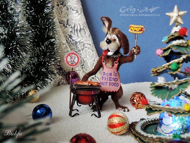 """Всем горячий привет! Почему зимой и горячий? Потому, что сегодня перед нами символ наступающего (по восточному календарю) года - Собака. Но не просто какая-то собачка, а целый пёс Барбос! И не только пёс, а """"горячая собака"""" - хот дог!"""