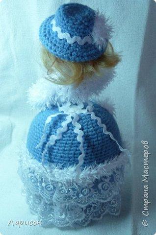 Куклу-шкатулку сделала в подарок .Просили в голубом или фиолетовом цвете, дома нашлись голубые ниточки, которые остались после вязки пледа для Вани... Вот и получилась  такая красавица...  фото 4
