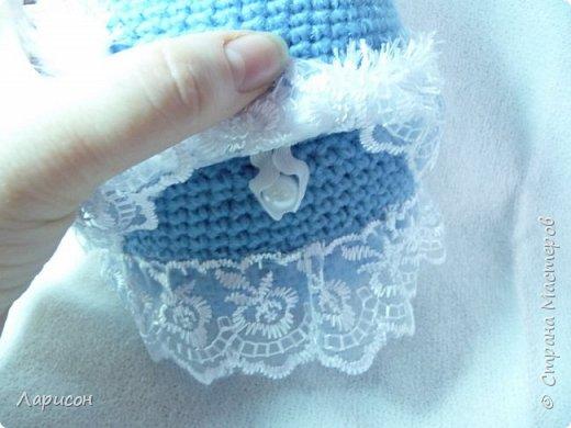 Куклу-шкатулку сделала в подарок .Просили в голубом или фиолетовом цвете, дома нашлись голубые ниточки, которые остались после вязки пледа для Вани... Вот и получилась  такая красавица...  фото 5
