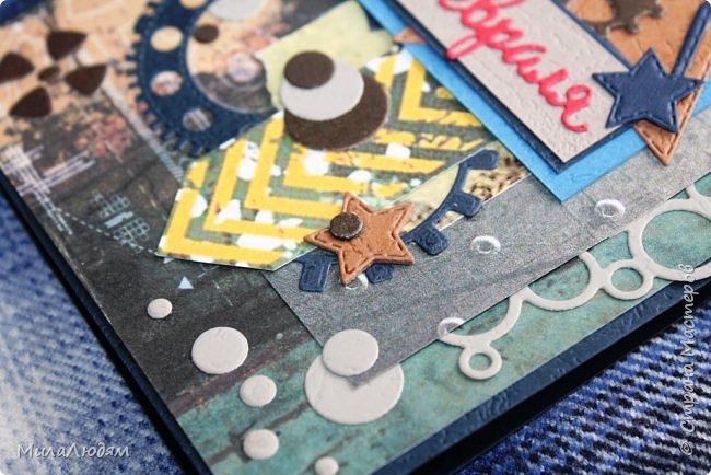 Всем здравствуйте! Я опять с темой 23 февраля. Сделала куму открытку, которая левая (я ее уже показывала), и когда тут выставляла, поняла, что она лучше подходит к Дню рождения. И срочно сделала другую, которая справа. Это лифтинг. Я ее сразу хотела делать, но пришли ножи алфавит и сбили меня с толку. фото 7