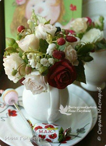 Всем привет!Вот такие букетики с кустовыми розочками и ягодами слепились) фото 15