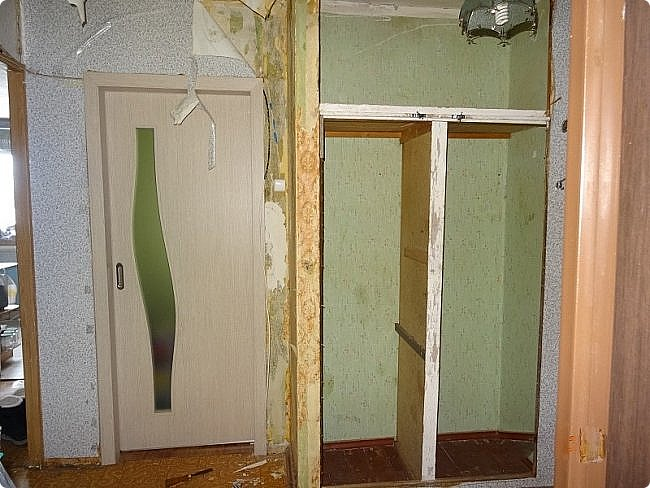Коридор  — длинный проход внутри здания или жилого помещения, соединяющий комнаты на одном этаже. Коридоры, наряду с комнатами, которые они соединяют и лестницами... Тут должна быть фотография готовой работы. фото 38