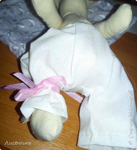 """Добрый день мастера и мастерицы. Давно я хотела научиться шить кукол """"Тильда"""" и вот наконец то решилась. Покажу вам сегодня мою первую куклу в стиле Тильда, это моя зайка))) Зайку зовут Степанида. фото 16"""