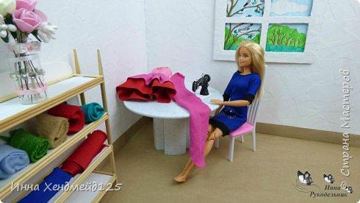 Продолжаю создавать кукольный мир своими руками. Для кукол сделала швейную машинку.  Она получилась такой милой) Как вы думаете, что ещё можно создать для кукольной мастерской?  Материал: полимерная глина. фото 4