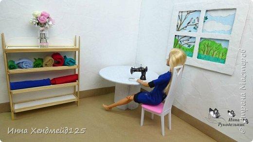 Продолжаю создавать кукольный мир своими руками. Для кукол сделала швейную машинку.  Она получилась такой милой) Как вы думаете, что ещё можно создать для кукольной мастерской?  Материал: полимерная глина. фото 3